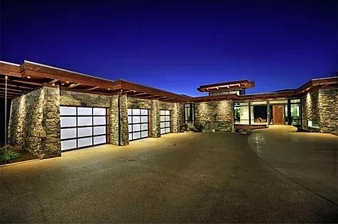 Garage door installation and garage door repair Southwest Calgary